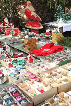 Vintage Christmas....would love to be at this sale!