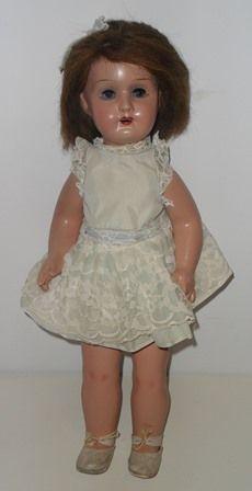 """Antigua Muñeca española andadora de  """"pasta"""" o composición de los años 60.  Antique Spanish Doll treadmill """"pasta"""" or composition of the '60s."""
