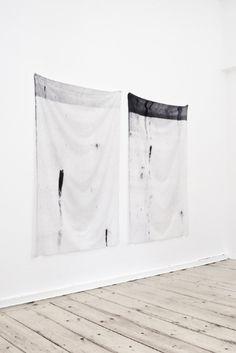 - Steffen Bunte. Toner on Fabric (A/B), 1618x1000 mm, digitalprint;    steffenbunte.com