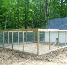 "nice chicken coop- all wire enclosed to be predator proof. Wire roof to keep the hawks out. Wire underground all around to keep ""diggers"" from going under. Also, provide a solid roof on part of the shelter for sun, rain, & winter snow protection Chicken Coop Pallets, Diy Chicken Coop, Chicken Coop With Run, Large Chicken Coop Plans, Chicken Wire Fence, Chicken Coup, Chicken Pen, Chicken Coop Designs, Keeping Chickens"