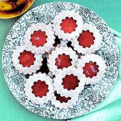 Best Linzer Cookies #recipe #christmascookies