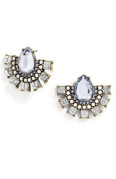 Oh, so pretty. In love with these sparkly blue and clear crystal statement stud earrings.