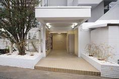 Sayama Flat - Schemata Architects