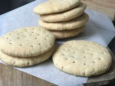 glutenfrie polarbrød Good Healthy Recipes, Gluten Free Recipes, Bread Recipes, World Recipes, Food For Thought, No Bake Cake, Food And Drink, Lunch, Baking
