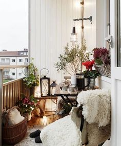 50 Dreamy Winter Balcony Design Ideas That You Need To Try - The balcony is an extension of the home, and it is an area where many people relax and read a good book, enjoy beverages, and enjoy the great outdoors. Apartment Balcony Decorating, Apartment Balconies, Apartment Walls, Cozy Apartment, Apartment Design, Apartment Ideas, Winter Balcony, Small Balcony Design, Small Patio