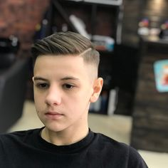 Combover + Side Part Teenage Boy Hairstyles, Boy Haircuts Short, Cool Boys Haircuts, Toddler Boy Haircuts, Hairstyles Haircuts, Haircuts For Men, Medium Hairstyles, Wedding Hairstyles, Side Part Haircut