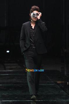 Kim Hyun Joong ugh again with the hair just kill me
