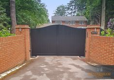 Hardwearing accoya driveway swing gates with paint finish in Pitch Black. Automated with BFT ELI underground operators and AES GSM Intercom. Wooden Electric Gates, Electric Driveway Gates, Driveway Entrance, Wooden Gates, Entrance Gates, Wooden Driveway Gates, Wooden Gate Designs, Drive Gates, Cobblestone Driveway