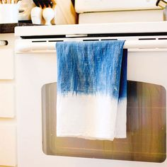 Scared to try shibori? Experiment with the Japanese art of resist-dyeing by starting with Chelsea's DIY indigo-dyed kitchen towels. Once you start, we bet you'll want to dye everything!