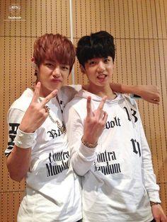 BTS Official Tweet - V & Jungkook (selca) 131010