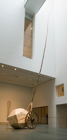Like Serra, Puryear went to Yale's famed M. program but he attended five years after Serra had graduated. In fact, Serra and Robert Morris were visiting artists while he was a student there. Martin Puryear, What Is Contemporary Art, Aesthetic Objects, Richard Serra, T Art, Installation Art, Art Installations, Design Museum, Museum Of Modern Art