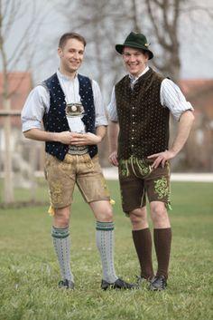 German Men, Herren Outfit, Lederhosen, Austria, Halloween Costumes, Men's Fashion, Germany, Socks, Guys