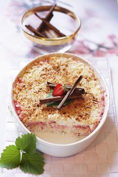 Süßer Reisauflauf mit Erdbeeren | http://eatsmarter.de/rezepte/suesser-reisauflauf-3