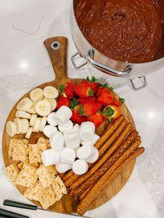 Easy Chocolate & Cheese Fondue Recipes - Carolina Charm Chocolate Cheese, Chocolate Recipes, Chocolate Fondue, Fondue Recipes, Dessert Recipes, Desserts, Easy Freezer Meals, Ghirardelli Chocolate, Baked Spaghetti