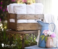 StoneGable: DECORATING WITH VINTAGE CRATES