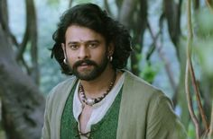 Tat awesome expression of Darling...wen he sees Devasena aka Sweety