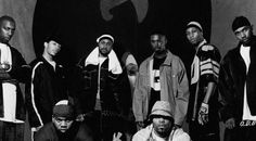 Những nghệ sĩ hip hop trong thập niên 1990s. Họ đã tạo nên một nguồn cảm hứng trong phong cách thời trang của giới trẻ ở thời điểm này bởi hip hop rất được ưa chuộng, cũng giống như nhạc rock của một số thập kỉ trc