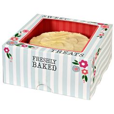 Meri Meri Cupcake Box Sweet Treats Large * Check this awesome product by going to the link at the image. (This is an affiliate link) Pretty Cakes, Cute Cakes, Yummy Treats, Sweet Treats, Cupcake Tray, One Smart Cookie, Cake Packaging, Packaging Design, Shops