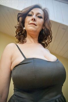 Hot women with big boobs whants you