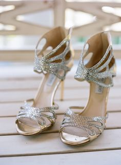 Jimmy Choo Glam -- See more of the wedding here: http://www.StyleMePretty.com/2014/04/14/elegant-tennessee-plantation-wedding/ Photography: AustinGros.com on #smp