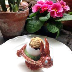 Frühstückseier mal ganz anders: ein Dinkel-Vollkorn-Marmorkuchen-Muffin im Ei.  http://vonmilchzumehr.blogspot.de/2016/03/oster-uberraschungseier-dinkel-vollkorn.html