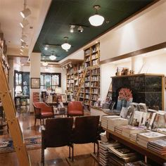 Full Circle Book Store - Oklahoma City
