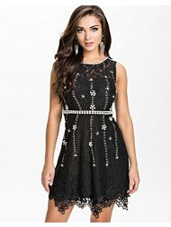 Lace dress Graduation Dresses, Viera, Lace Dress, Formal Dresses, Stuff To Buy, Fashion, Gowns, Dresses For Formal, Moda