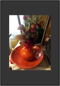 This autumn pottery is a great way to add a touch of the season to your room. #floral #fall www.cobblestonevillageandcafe.com