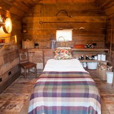 THE PIG - near Bath | Potting Shed turned into a treatment room for massages
