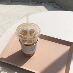 coffee milk tea korean food drink aesthetic yummy soft minimalistic cute kawaii g e o r g i a n a : m u n c h & s l u r p Cream Aesthetic, Aesthetic Coffee, Brown Aesthetic, Aesthetic Food, Coffee Break, Coffee Time, Morning Coffee, Image Deco, Cafe Food