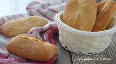 Ciabattine piccole di pane senza glutine croccanti e fragranti, molto semplici e veloci da preparare. Scopri la ricetta :