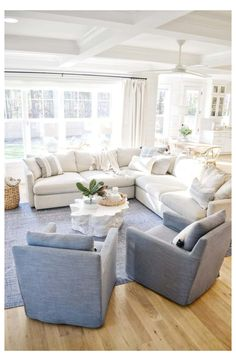 Coastal Living Rooms, New Living Room, Home And Living, Living Room Rugs, Beach Living Room, Living Room Windows, Coastal Cottage, Small Living, Modern Living