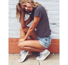 Alexis Ren casual summer outfit