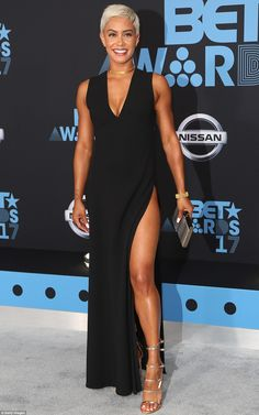 Classic: E! News's Sibley Scoles was simple and chic in a thigh-baring black gown which wa. Pixie Hairstyles, Cool Hairstyles, Sibley Scoles, New Fashion, Fashion Beauty, Crop Hair, Low Maintenance Hair, Bet Awards, Awards 2017