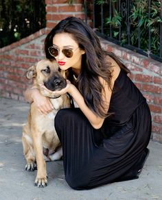 #shaymitchell get close to the cute dog #pet. i like this photo,like family.