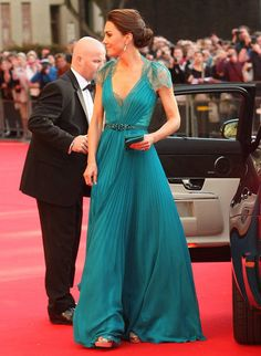 kate middleton in lacy jenny packham gown