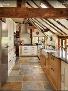 Superb country kitchen flooring beautiful kitchens dream home farmhouse ideas laminate . Country Kitchen Flooring, Country Kitchen Designs, Kitchen Country, Kitchen White, Kitchen With Slate Floor, Country Kitchen Ideas Farmhouse Style, Modern Country Style, French Kitchen, Country Charm