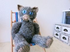 Cat Doll Radost/hand knitted cat/collectible by YaGrashka on Etsy Knitted Cat, Cat Doll, Unique Gifts, Handmade Gifts, Family Gifts, Hand Knitting, Dolls, Cats, Vintage
