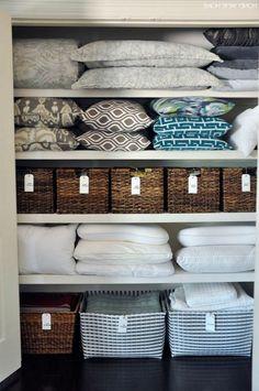 30+ Elegant Laundry Room Organization, Clothing Rack with Rustic Wooden Sign #laundryroomideas #laundryroommakeover #laundryroomdecor