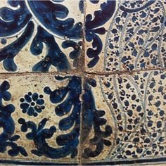 From Artes de México magazine, Antique Talavera mosaic.