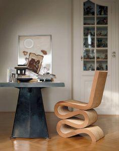 Histoire De Design : The Wiggle Side Chair Par Frank Gehry 1972