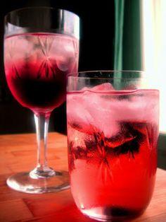 Herkkusuun lautasella-Ruokablogi: Creme de Cassis ja Kir