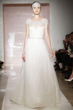 Vestido de novia con escote barco velado y bordado joyas · Reem Acra (FW 2014) #weddingdresses #NYBW