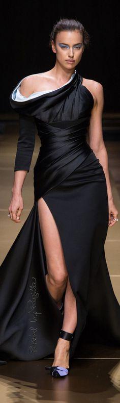 Regilla ⚜ Versace                                                       …