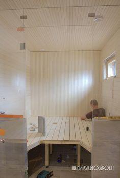 Tämä blogi kuvaa rakennuttamisen eri vaiheita pikkulapsivaihetta elävän perheen silmin. Uusi koti nousee Espooseen. Sauna Room, Saunas, Conference Room, Table, Furniture, Pine, Home Decor, Bathroom, Pine Tree