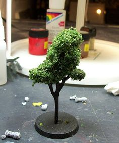 Workshop: trees from spray foam for model terrain and miniatures Terrarium Containers, Simple Tree, Spray Foam, Wargaming Terrain, Mini Craft, Miniature Plants, Model Train Layouts, Foam Crafts, Miniture Things