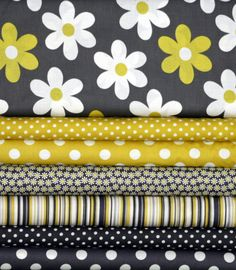 Fat Quarter Fabric Bundle for quilt or craft by fivemonkeyfabrics, $18.75