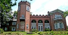 Bowman's Castle- Fayetteville County, PA. Built 1789. It's the oldest Gothic Revival castle in the U.S.
