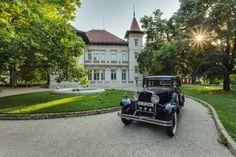 Romania, Art Nouveau, Antique Cars, Antiques, Mai, Wedding Trends, Cabin, Vintage Cars, Antiquities