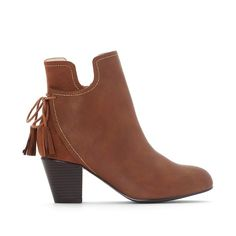 Boots détail pompons pied large 38-45